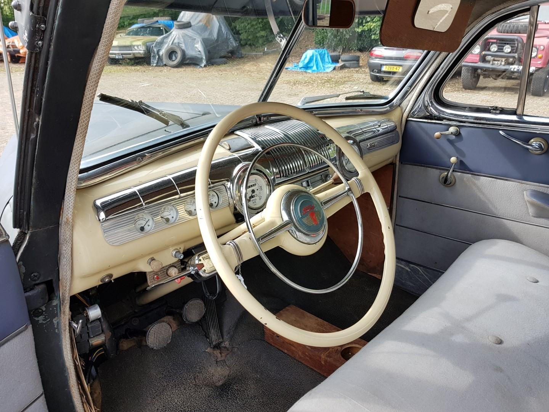 1946 Ford Sedan with 350ci V8 (11)