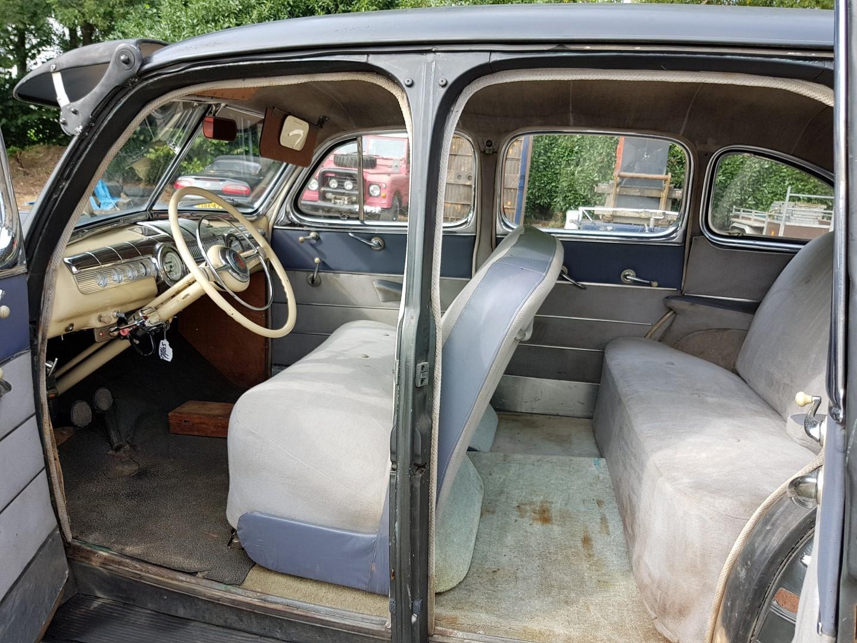 1946 Ford Sedan with 350ci V8 (16)
