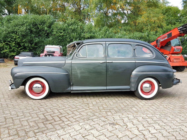 1946 Ford Sedan with 350ci V8 (5)
