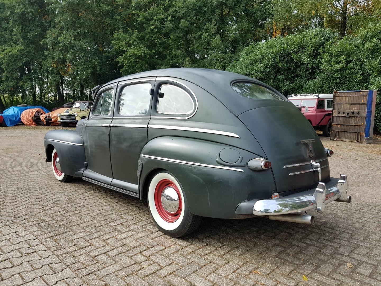 1946 Ford Sedan with 350ci V8 (6)