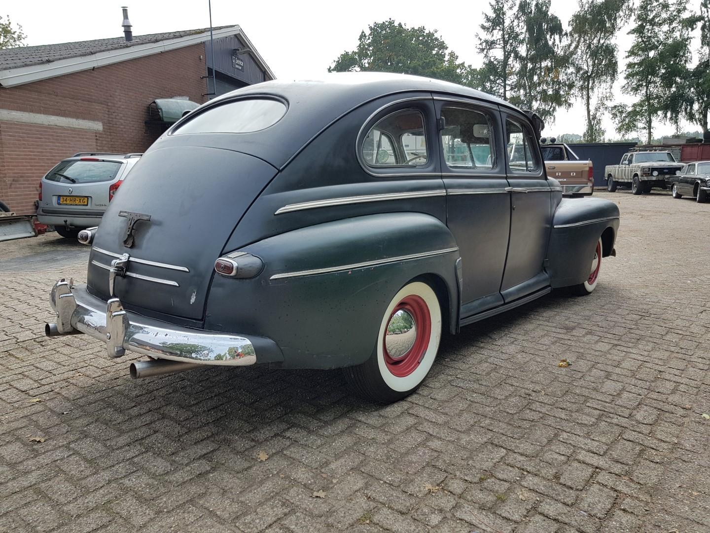 1946 Ford Sedan with 350ci V8 (8)