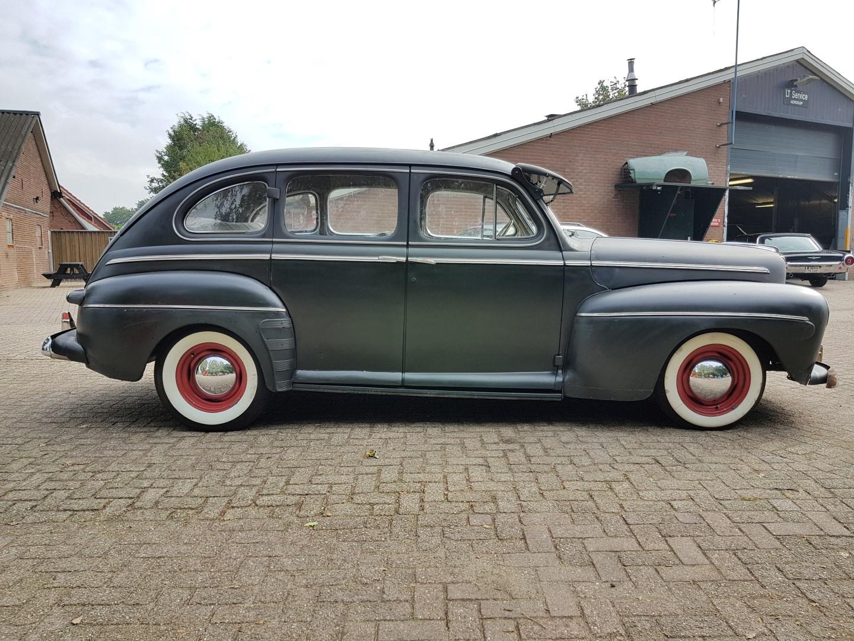 1946 Ford Sedan with 350ci V8 (9)