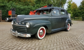 1946 Ford Sedan with 350ci V8 (4)