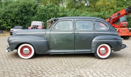 1946 Ford Sedan with 350ci V8 (5)