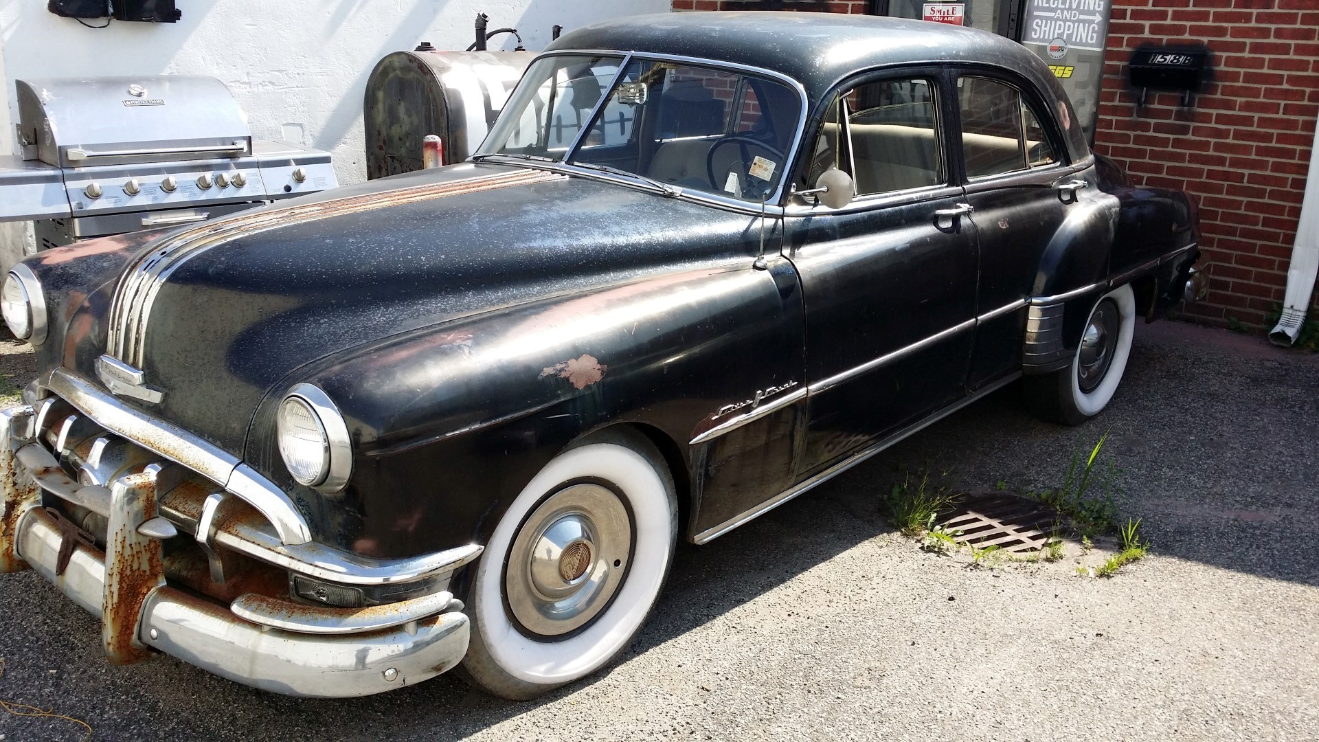 1950 Pontiac Chieftain Eight Deluxe Sedan (42)