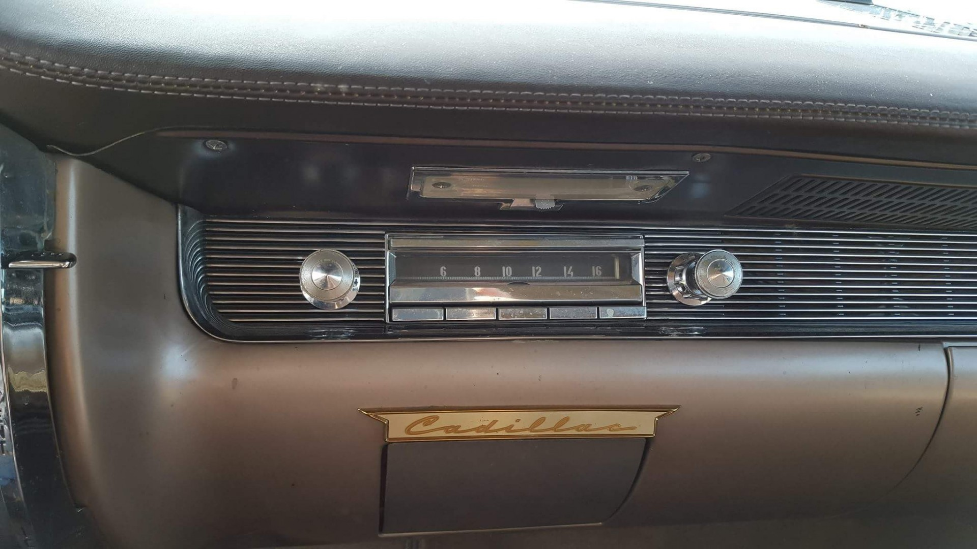 1954 Cadillac Sedan Deville (12)