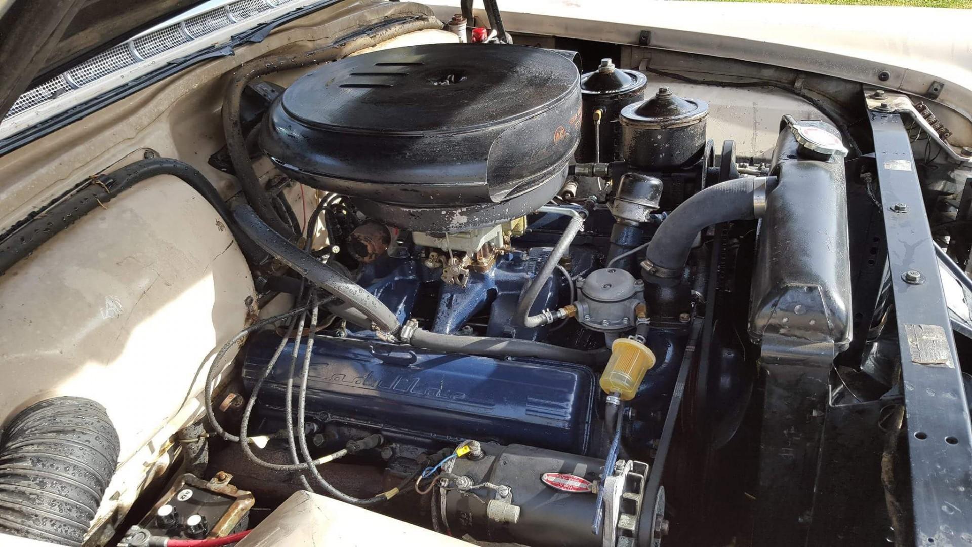 1954 Cadillac Sedan Deville (17)