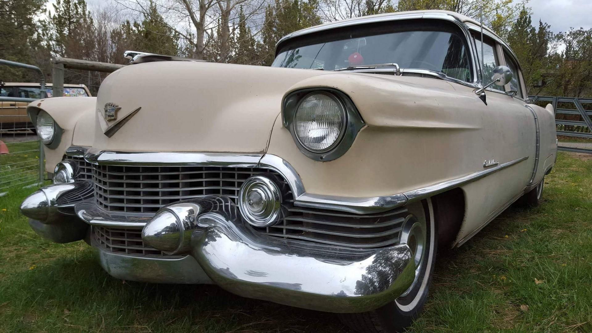 1954 Cadillac Sedan Deville (22)