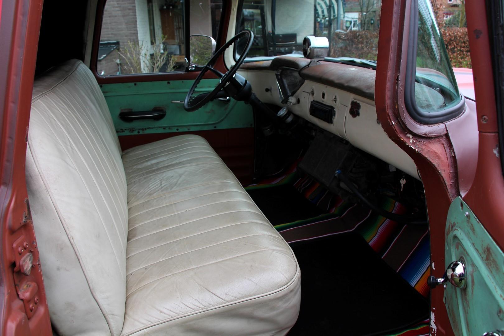 1956 Chevy Panel Van (14)