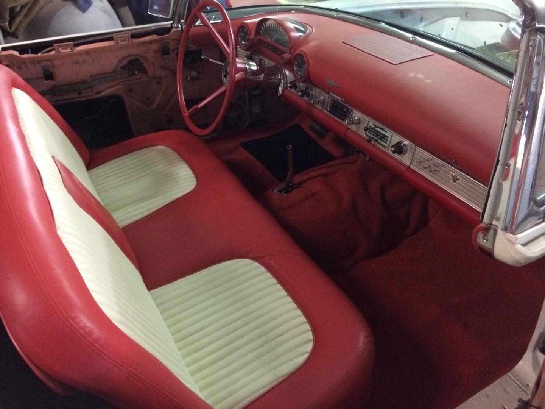 1956 Ford Thunderbird - 312ci V8 (16)