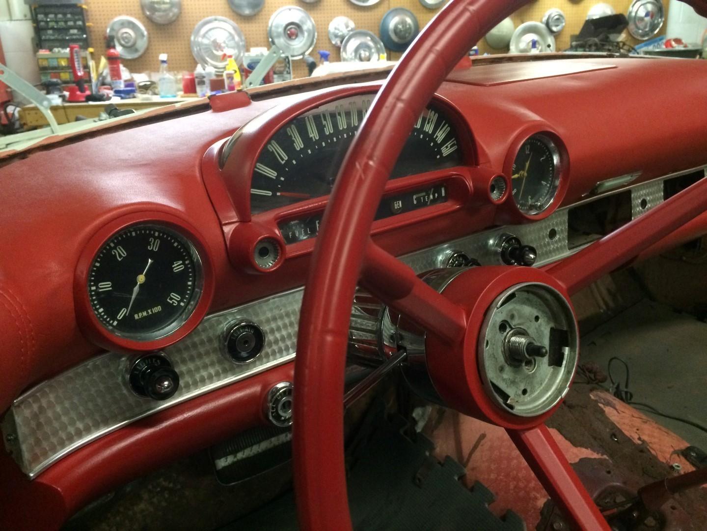 1956 Ford Thunderbird - 312ci V8 (7)