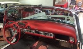 1956 Ford Thunderbird - 312ci V8 (10)