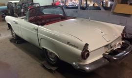 1956 Ford Thunderbird - 312ci V8 (18)