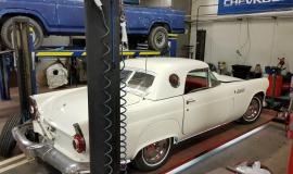 1956 Ford Thunderbird - 312ci V8 and automatic (11)