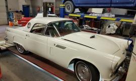 1956 Ford Thunderbird - 312ci V8 and automatic (12)