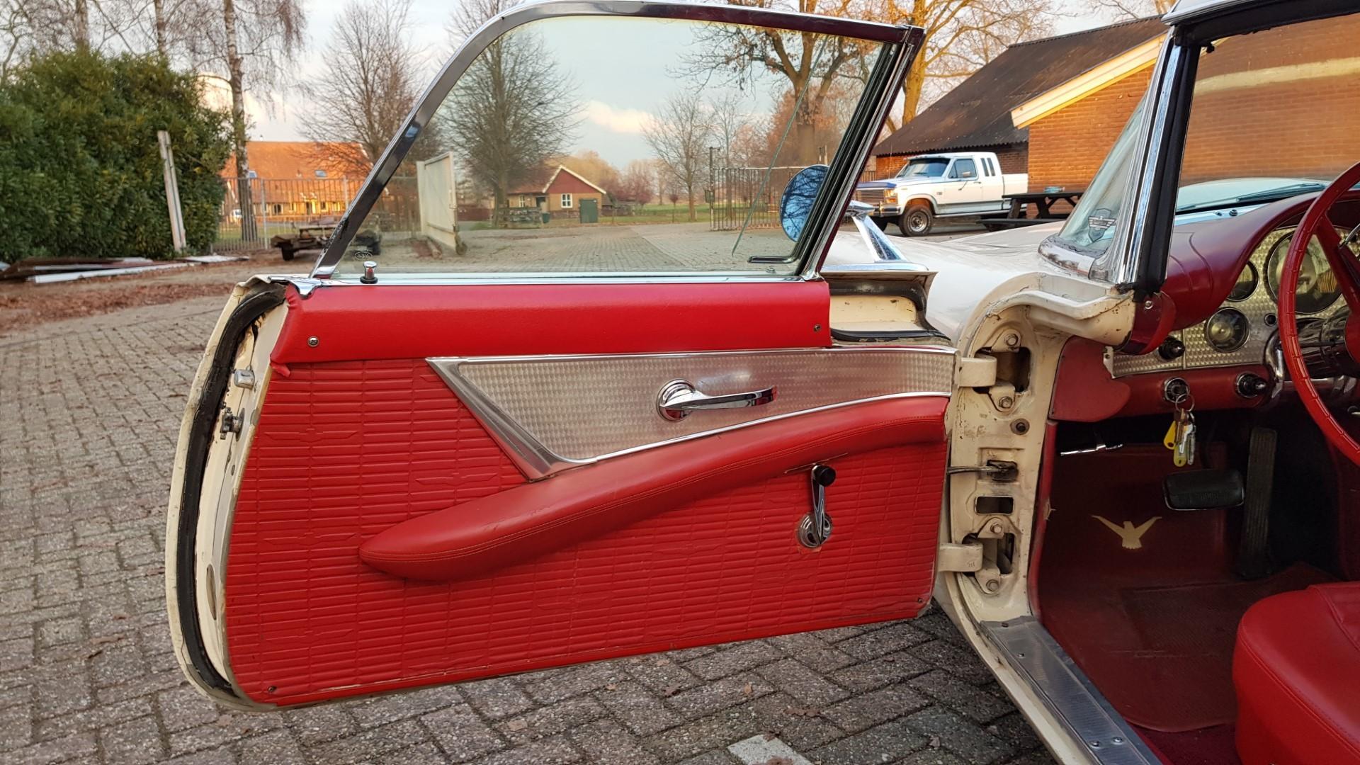 1957 Ford Thunderbird Convertible 312ci (11)