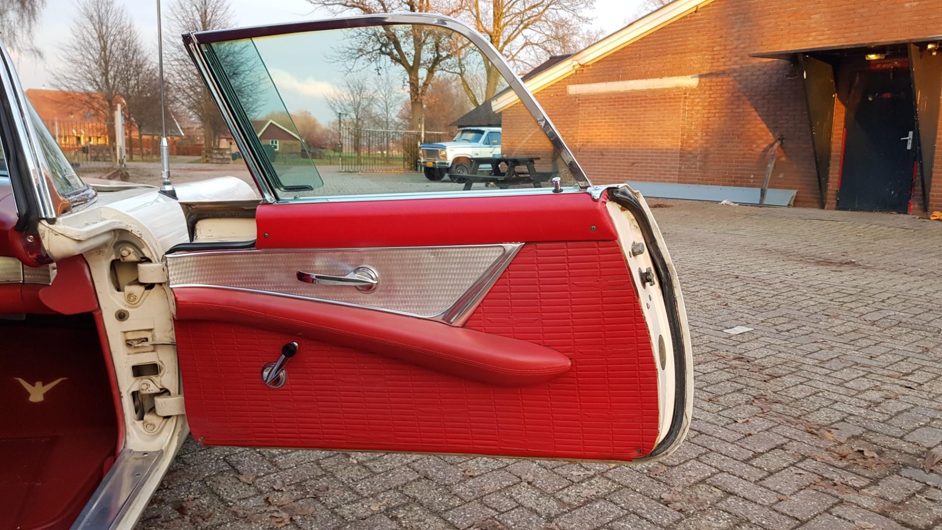 1957 Ford Thunderbird Convertible 312ci (14)