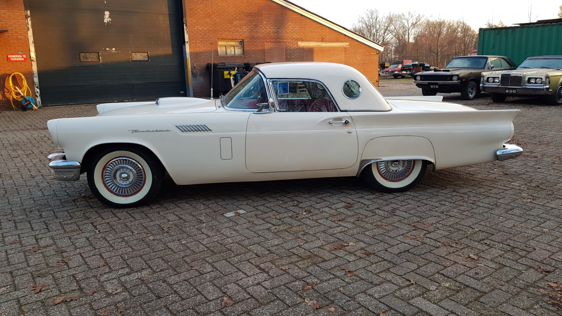 1957 Ford Thunderbird Convertible 312ci (2)