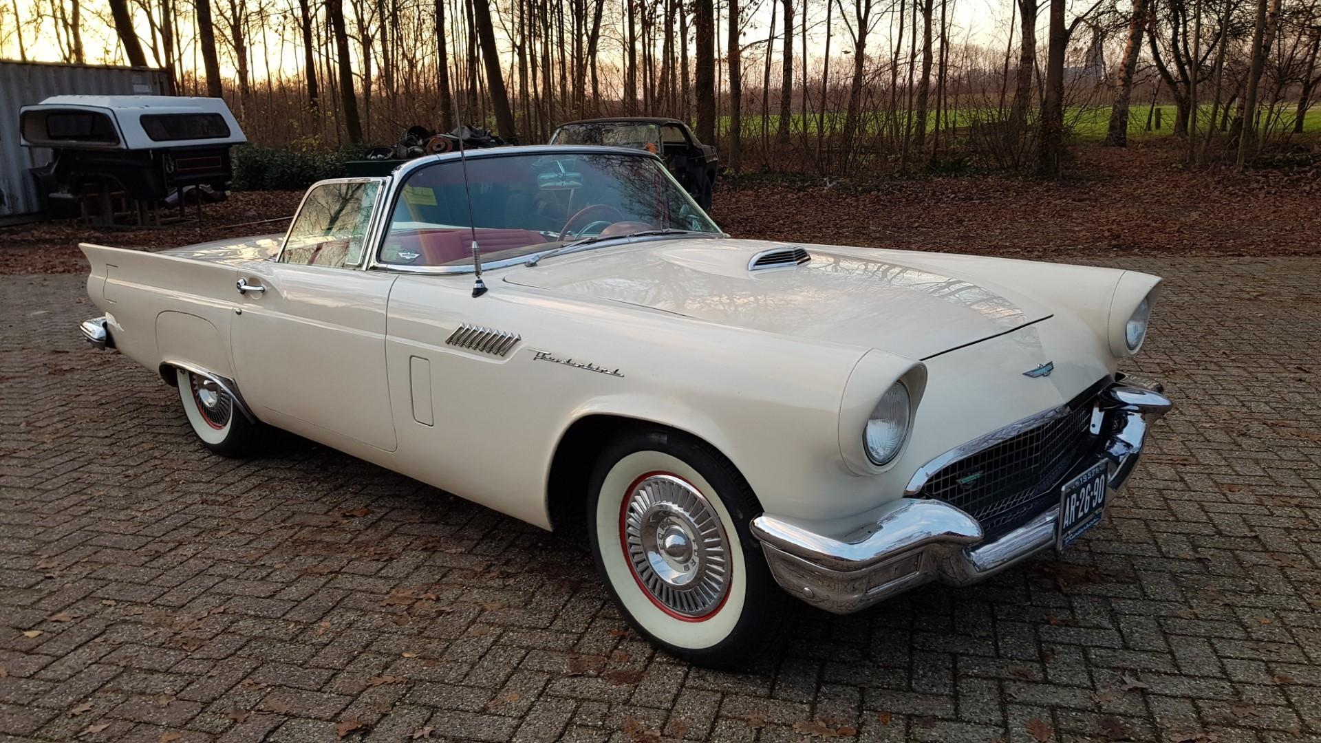 1957 Ford Thunderbird Convertible 312ci (22)