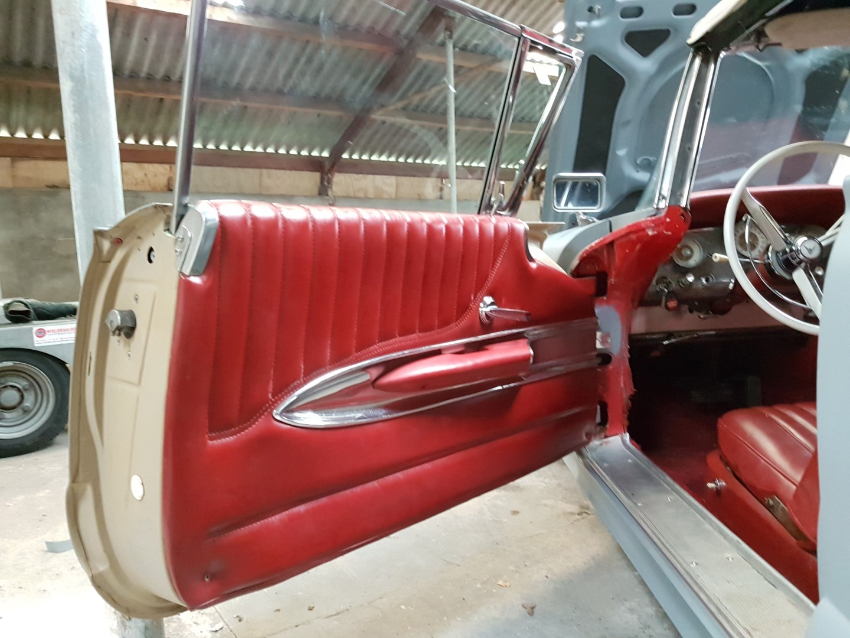 1960 Ford Thunderbird Convertible (2)