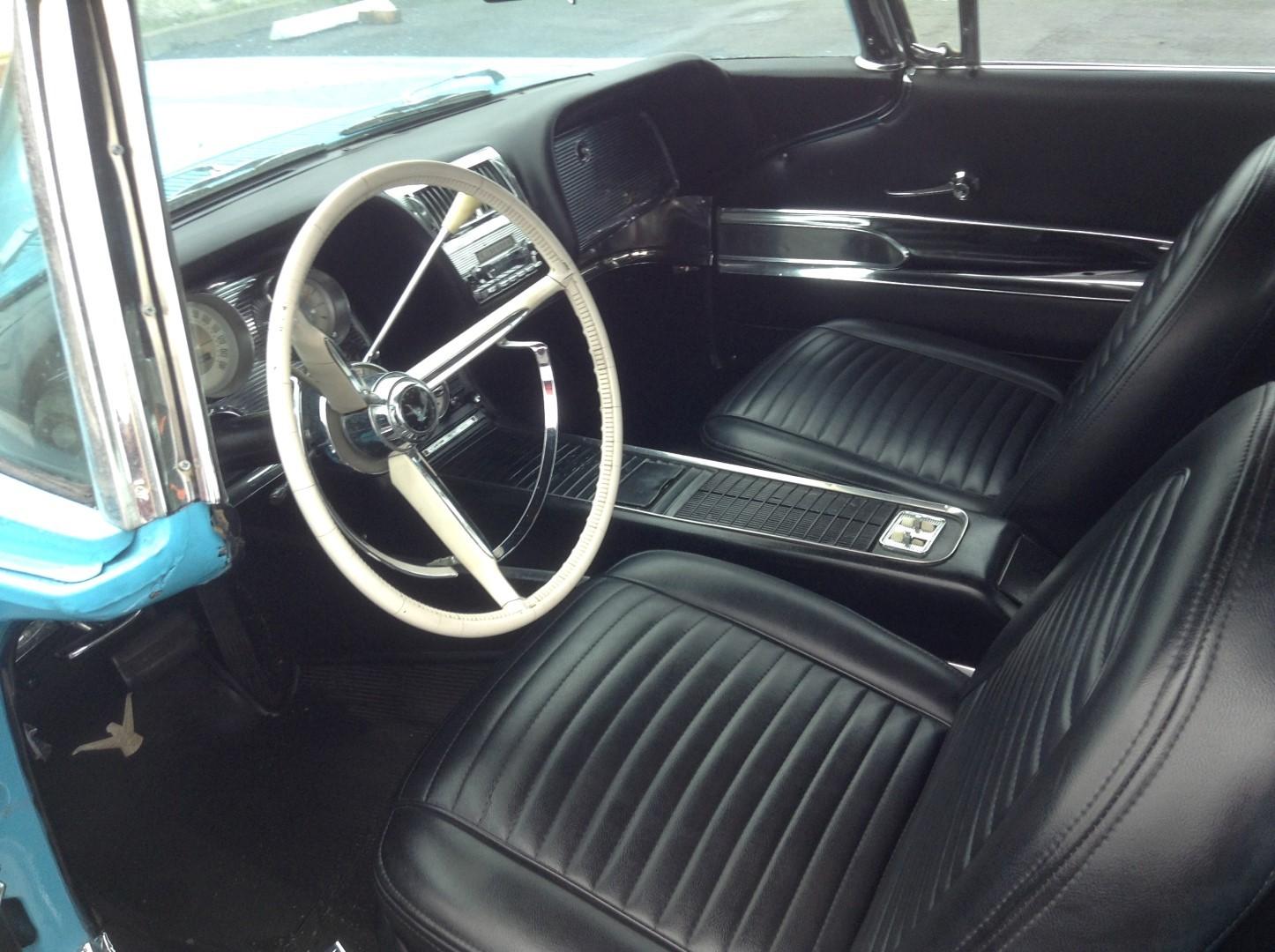 1960 Ford Thunderbird Hardtop (3)