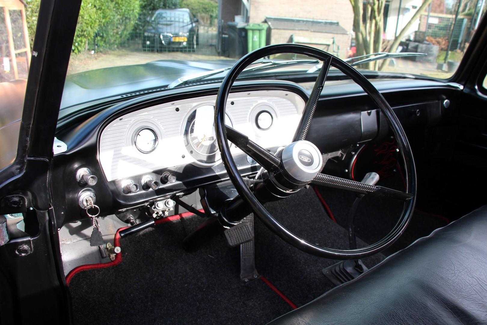 1961 Ford F100 460ci (3).JPG