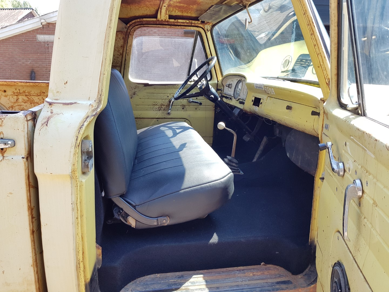 1962 Ford F100 429ci  (17)