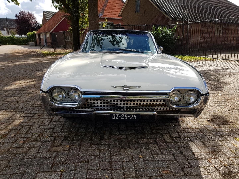 1962 Ford Thunderbird 390ci - Bulletbird (8)