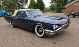 1964-Ford-Thunderbird-Convertible-390ci-4wheel-disc-brakes-2
