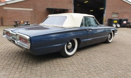 1964-Ford-Thunderbird-Convertible-390ci-4wheel-disc-brakes-3