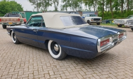 1964-Ford-Thunderbird-Convertible-390ci-4wheel-disc-brakes-4