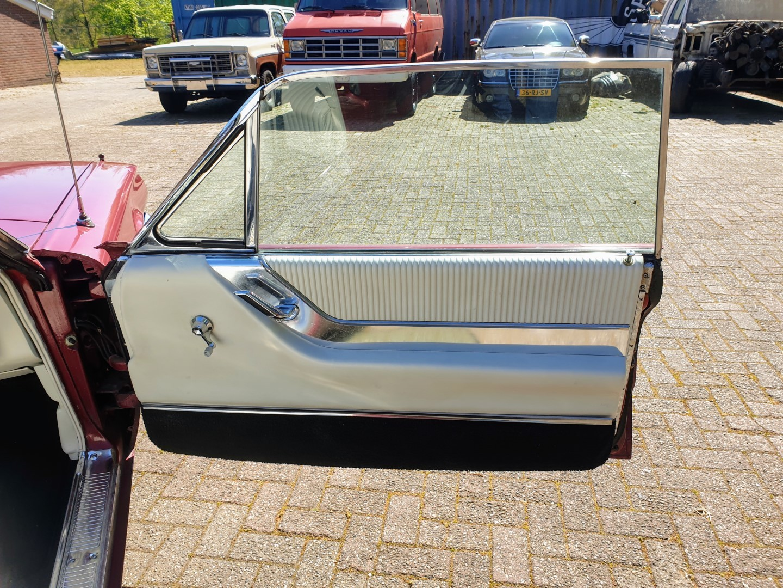 1964-Ford-Thunderbird-Convertible-14