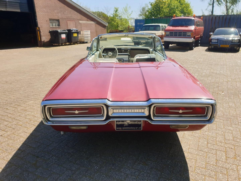 1964-Ford-Thunderbird-Convertible-4