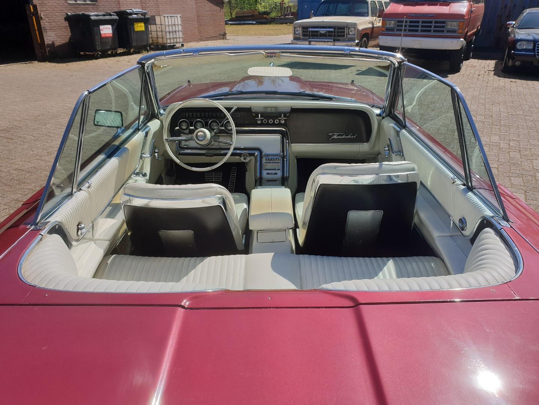 1964-Ford-Thunderbird-Convertible-5