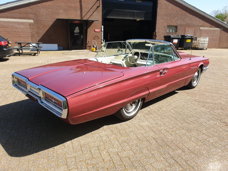 1964-Ford-Thunderbird-Convertible-6