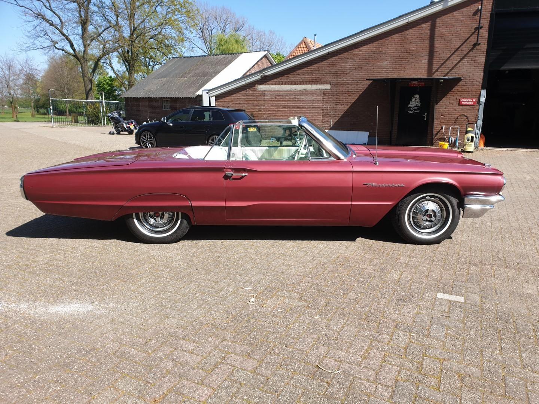 1964-Ford-Thunderbird-Convertible-7