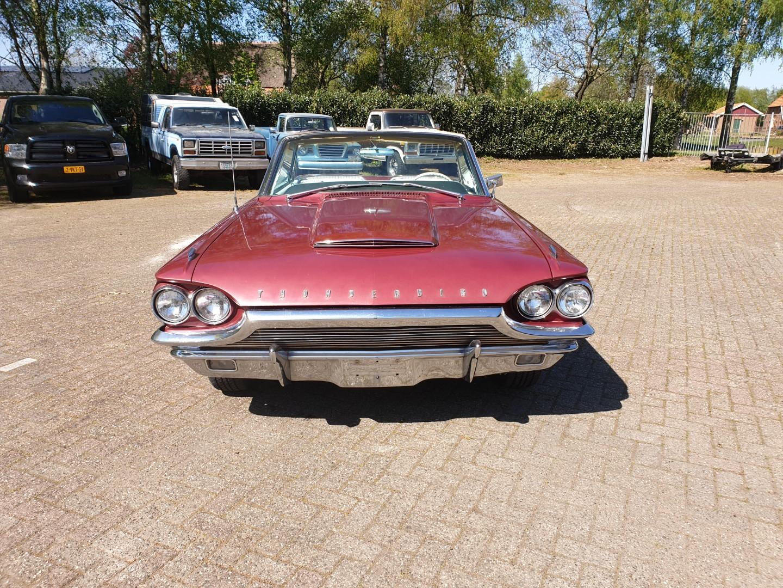 1964-Ford-Thunderbird-Convertible-9