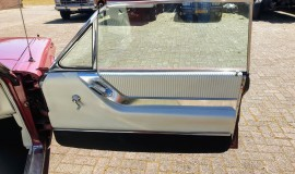 1964-Ford-Thunderbird-Convertible-14