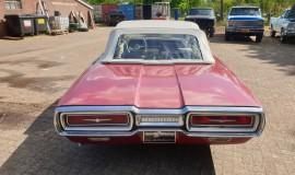1964-Ford-Thunderbird-Convertible-New-Top-4