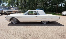 1964-Ford-Thunderbird-Hardtop-390ci-factory-paint-2