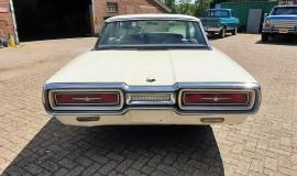 1964-Ford-Thunderbird-Hardtop-390ci-factory-paint-4