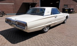 1964-Ford-Thunderbird-Hardtop-390ci-factory-paint-5