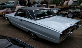1964 Ford Thunderbird Landau Bird Nest (13)
