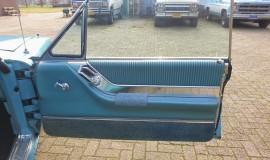 1964-Ford-Thunderbird-Hardtop-390ci-FE-15