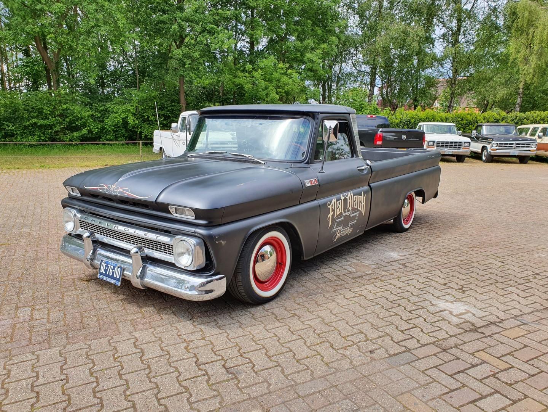 1965-Chevrolet-C20-Fleetside-with-283ci-V8-1