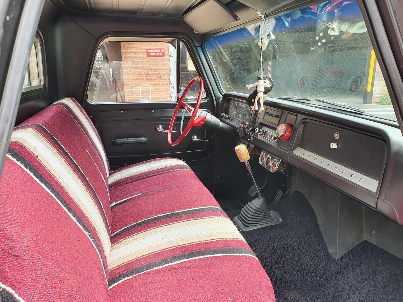 1965-Chevrolet-C20-Fleetside-with-283ci-V8-12