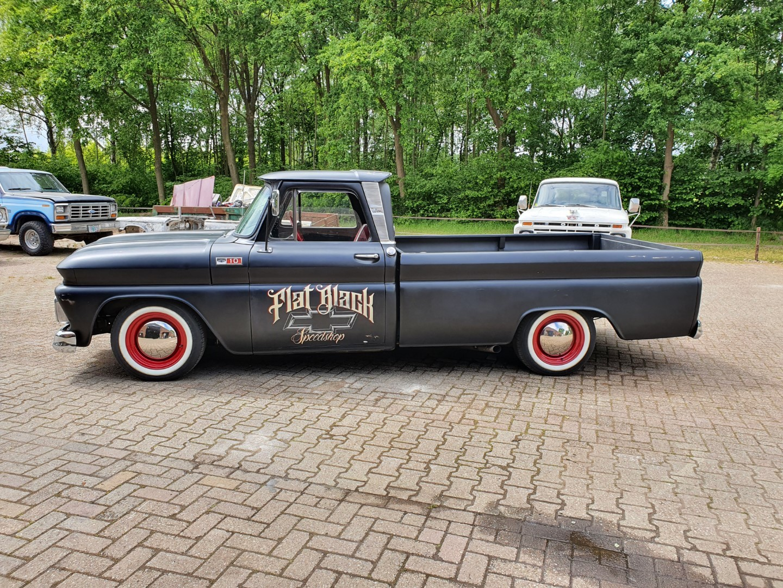 1965-Chevrolet-C20-Fleetside-with-283ci-V8-2