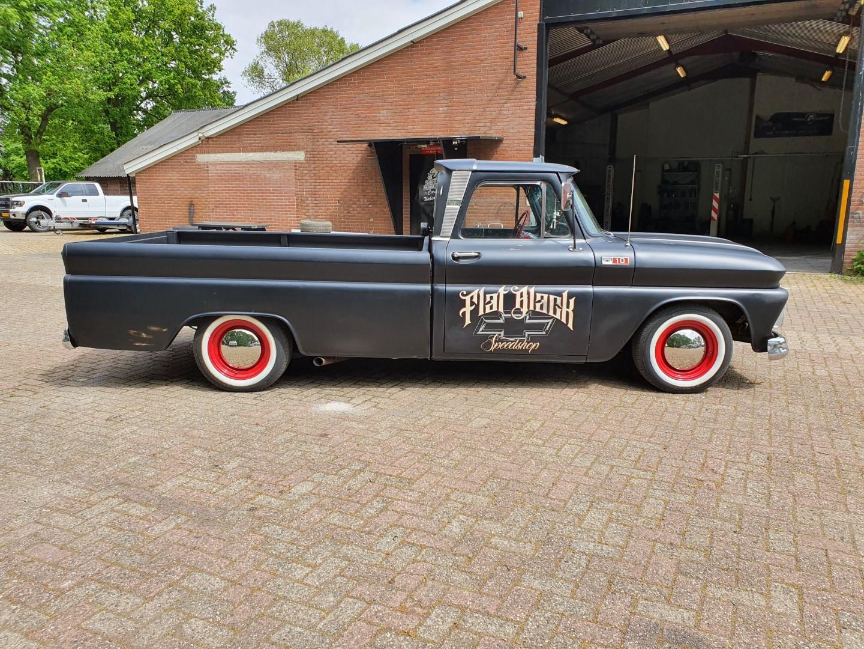 1965-Chevrolet-C20-Fleetside-with-283ci-V8-8