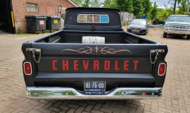 1965-Chevrolet-C20-Fleetside-with-283ci-V8-4