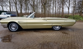 1965 Ford Thunderbird Convertible 390ci - Ivy Gold (2)